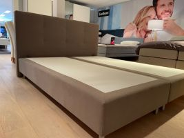 Showmodel Eastborn boxspring